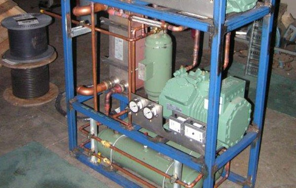 FPSO water cooled switchroom cooling unit in construction